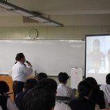 卒業生との懇談会を行いました